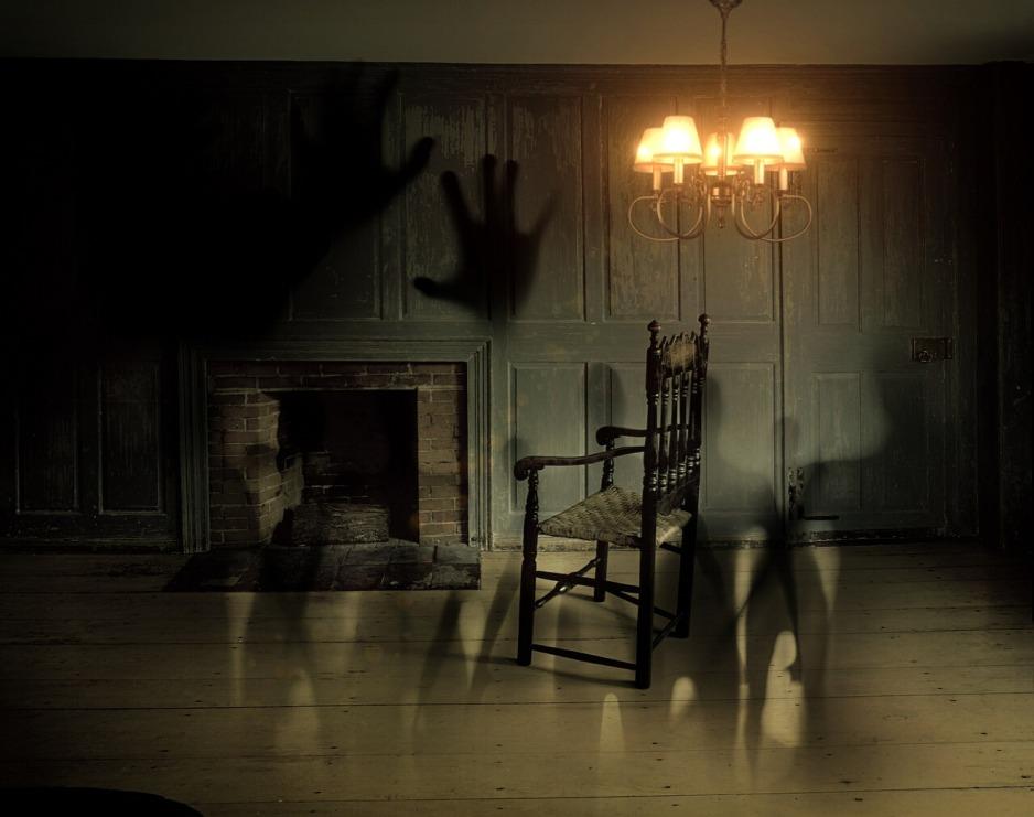 ghosts-572038_1920.jpg