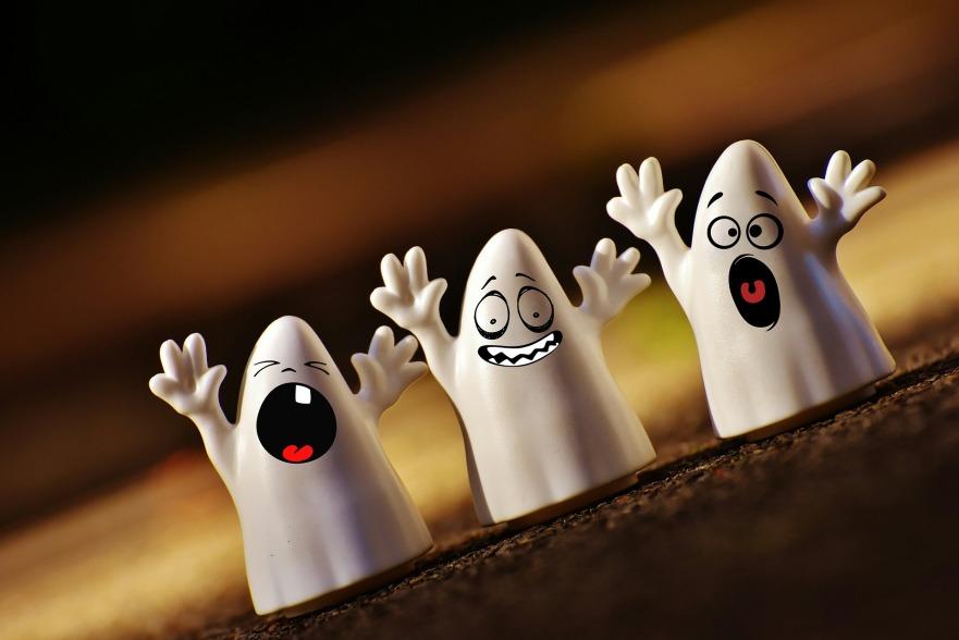 halloween-1746354_1920.jpg