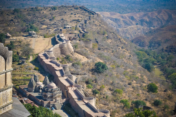The_boundary_walls_of_Kumbhalgarh_fort,Udaipur_