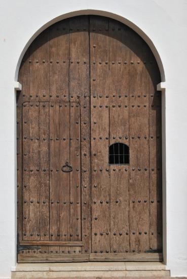door-2926843_1920